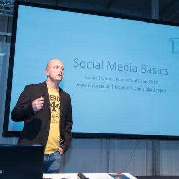 Lukas TRybus Social Media Vortrag auf der Frauenthal Expo 2018